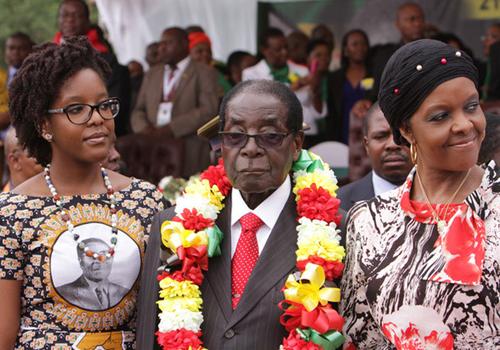 tong-thong-zimbabwe-tang-chi-vo-60000-usd-tien-mat-lam-qua-sinh-nhat
