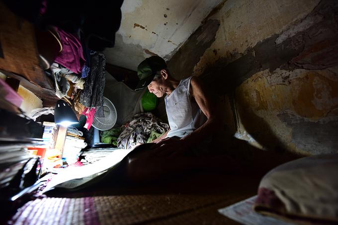 Cuộc sống trong căn nhà 2 mét vuông giữa phố cổ Hà Nội