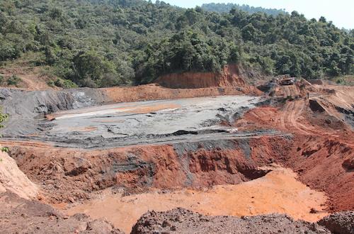 Công ty làm vỡ đập chứa bùn thải quặng bị phạt hơn một tỷ đồng
