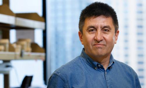 Shoukhrat Mitalipov là nhà khoa học đầu tiên ở Mỹ được biết đã chỉnh sửa ADN trong phôi người. Ảnh: OHSU.