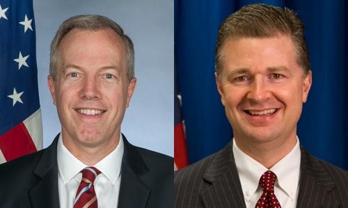 Đại sứ Mỹ Ted Osius và ông  U.S. Embassy