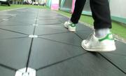 Phố đi bộ tự phát điện ở Anh bắt đầu hoạt động