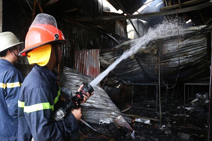 Xưởng kẹo bít bùng khiến 8 người chết cháy ở Hà Nội