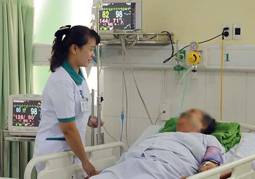 46 du khách Lào cấp cứu do ngộ độc thực phẩm tại Đà Nẵng