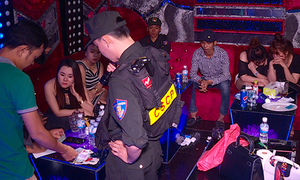 Hơn 60 dân chơi ma túy trong karaoke ở Nha Trang