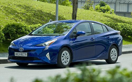 sẽ bán mẫu xe hybrid vào cuối 2017 hoặc đầu 2018, khi có thể xác định rõ mức thuế nhập khẩu cho dòng xe này.