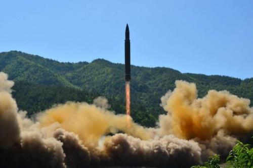 Triều Tiên phóng thử tên lửa đạn đạo xuyên lục địa (ICBM) hồi tháng trước. Ảnh: KCNA.