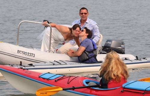 thu-tuong-canada-truot-nga-khi-cheo-thuyen-kayak-2