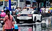 BMW i8 lội nước ở Việt Nam gây xôn xao trên Instagram