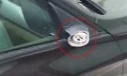 BMW 2 tỷ đồng bị trộm vặt sạch logo và gương