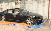 Mercedes đắt tiền bị 'bỏ rơi như phế liệu'