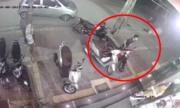Tên trộm lỳ lợm bẻ khóa bằng được xe Honda