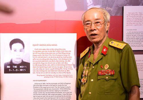 Cựu tù Phú Quốc và lá cờ làm bằng máu