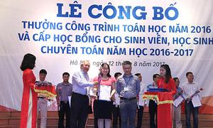 Hơn 400 học sinh, sinh viên được trao học bổng Toán học