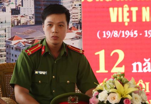 trinh-sat-le-chan-gay-bam-theo-duong-day-ma-tuy-van-kinh-duong