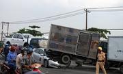 Bốn ôtô tông liên hoàn ở cửa ngõ Sài Gòn