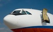 Điều gì xảy ra nếu mở cửa máy bay giữa không trung?