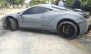 Dân chơi quốc tế nổi giận vì siêu xe Ferrari bị 'đày' ổ gà ở Việt Nam