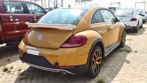 con-bo-volkswagen-beetle-dune-2017-dau-tien-ve-viet-nam-1