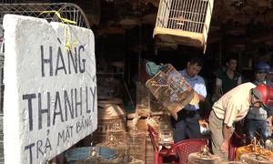 Các ki ốt quanh sân bay Tân Sơn Nhất xả hàng trả mặt bằng