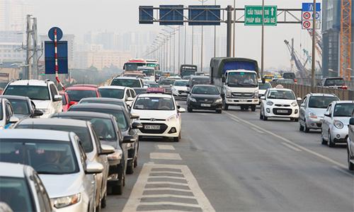 Đi ôtô nhưng người Việt vẫn 'hoang dã' như xe máy