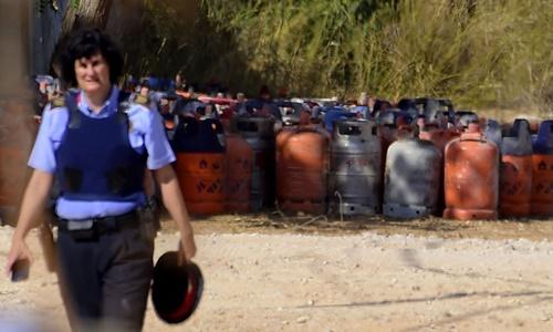 Các bình ga được tìm thấy tại ngôi nhà bị nổ tung tại thị trấn Alcanar, Tây Ban Nha, có liên quan đến những vụ tấn công ở Barcelona và Cambrils. Ảnh: AFP.