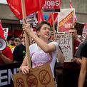Hàng chục nghìn người Mỹ tuần hành phản đối phân biệt chủng tộc