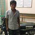 Người 'diễn xiếc' trên yên xe máy ở Đà Nẵng bị bắt