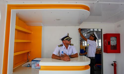 Bên trong tàu buýt đường sông đầu tiên ở Sài Gòn