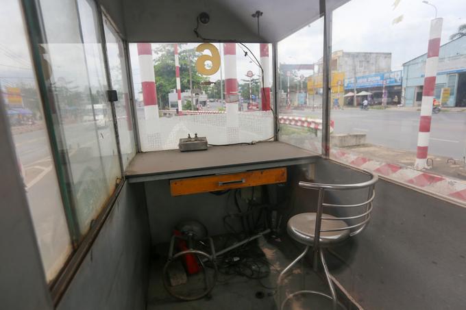 Hai trạm thu phí bỏ hoang ở trung tâm TP HCM