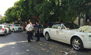 Rolls-Royce mui trần và môtô 3 bánh rước dâu ở xứ Nghệ
