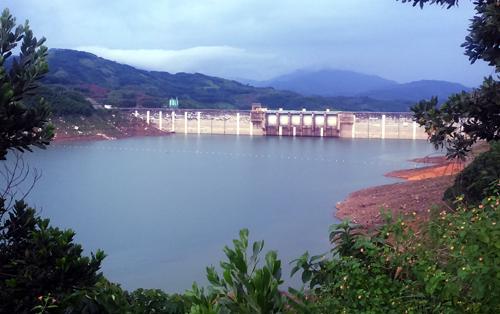 Quảng Nam yêu cầu thủy điện xả nước để đón lũ