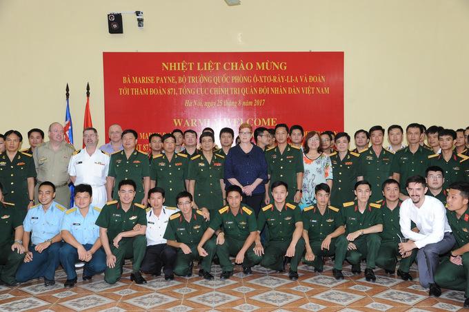Bộ trưởng Quốc phòng Australia thán phục võ thuật của đặc công Việt Nam