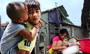 Những đứa trẻ đói nghèo ở 'xóm ốc' ven Sài Gòn