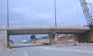 Cầu vượt nút giao Đại học Quốc gia TP HCM sắp thông xe