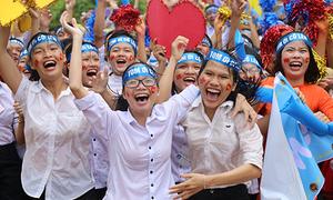 Người dân Quảng Trị reo hò khi Nhật Minh vô địch Olympia 17