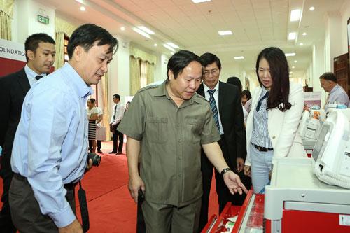 Việc hỗ trợ nhằm góp phần nâng cao chất lượng điều trị cho người bệnh ở Lai Châu.