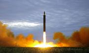 Khoảnh khắc tên lửa Triều Tiên khai hỏa trước khi bay qua Nhật