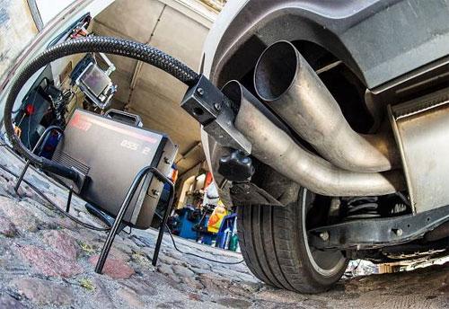 Cách Volkswagen đánh lừa cơ quan bảo vệ môi trường Mỹ Một phần mềm có khả năng nhận biết khi nào xe đang ở chế độ chạy kiểm tra để bật toàn bộ công nghệ kiểm soát khí thải.