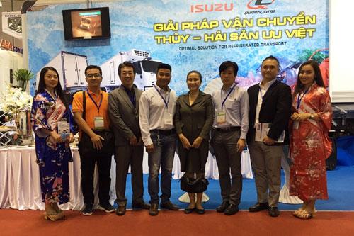 Ban Giám đốc Isuzu Việt Nam và Quyền Auto cam kết mang đến giải pháp vận chuyển hiệu quả