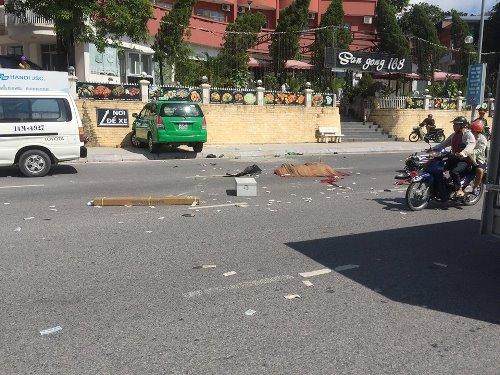 Taxi 'điên' gây tai nạn liên hoàn, một người chết