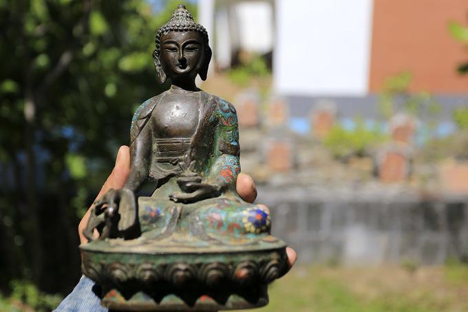 Tìm ký ức xa vắng trong chợ đồ xưa ở Đà Nẵng