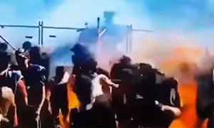 14 người bị bỏng khi xem ôtô đốt lốp