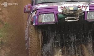 Những khoảnh khắc ấn tượng giải đua ôtô địa hình Việt Nam