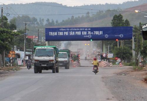 Tỉnh Đồng Nai cho rằng trạm thu phí tại huyện Thống Nhất đặt sai vị trí, kiến nghị di dời. Ảnh: Phước Tuấn