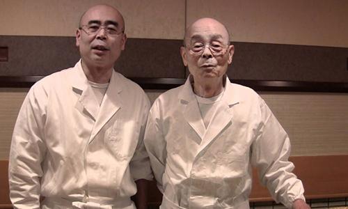 Ông Yoshikazu Ono và bố Jiro Ono. Ảnh: Next Shark.
