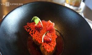 Đầu bếp sao Michelin đưa gia vị châu Á vào ẩm thực Pháp