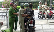 Người nghiện ma túy ở trung tâm Sài Gòn bị truy quét
