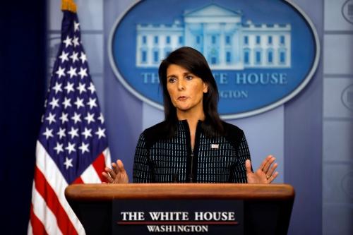 Đại sứ Mỹ tại Liên Hợp Quốc Nikki Haley trong cuộc họp báo hôm 15/9. Ảnh: Reuters.