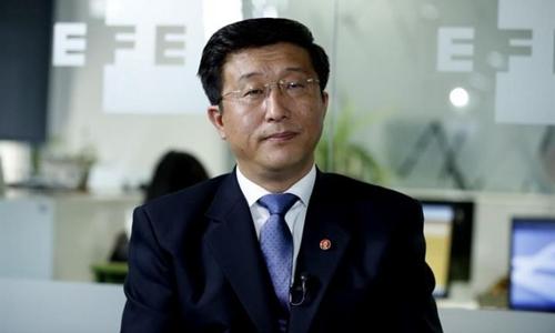 Đại sứ Triều Tiên tại Tây Ban Nha Kim Hyok-chol. Ảnh: EFE.